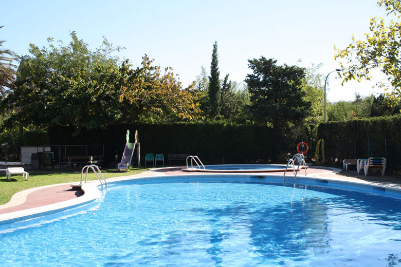Piscina per adults i petits